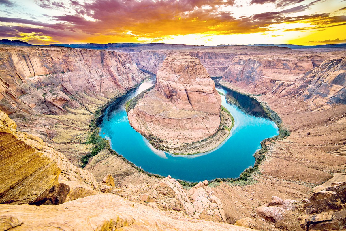Horseshoe_Bend_with_14mm_Lens_on_Nikon_D800e