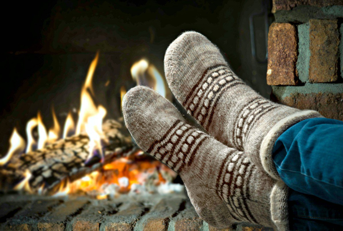 Sitting-by-the-fireplace-for-web-iStock_000044275738XXXLarge-2