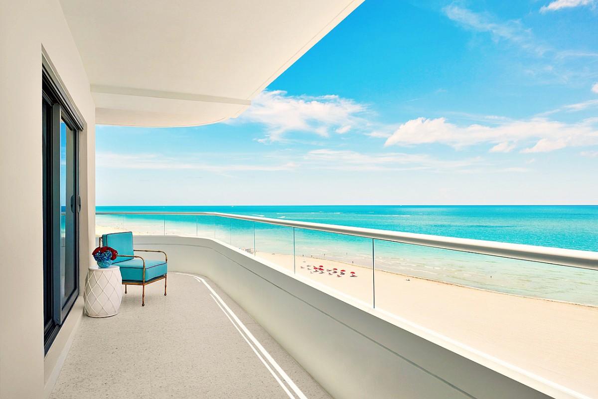 17_Premier_Oceanfront_Corner_Suite-07-1280x853-2
