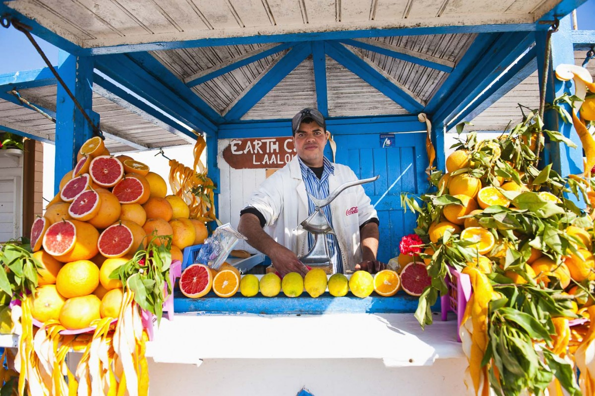 Essaouira-Morocco-Orange-juice-stall-by-travel-photographer-Matthew-Williams-Ellis