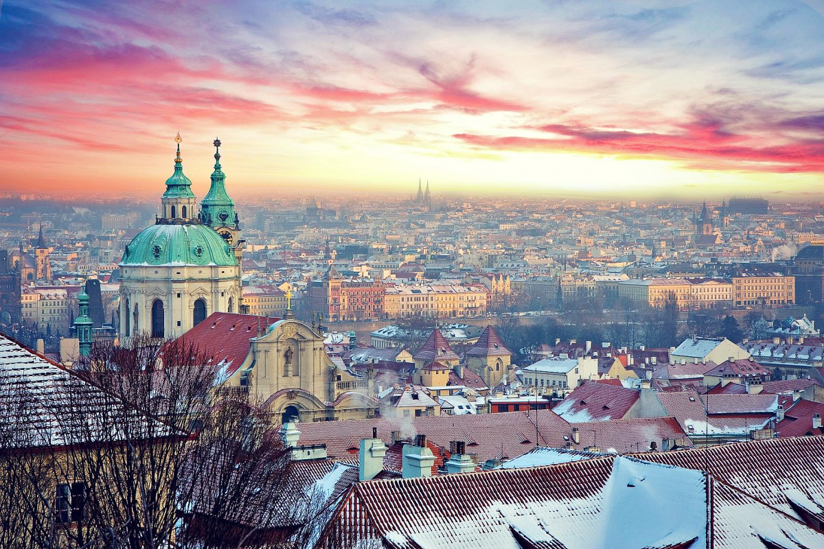 prague-winter-pink-sky-2